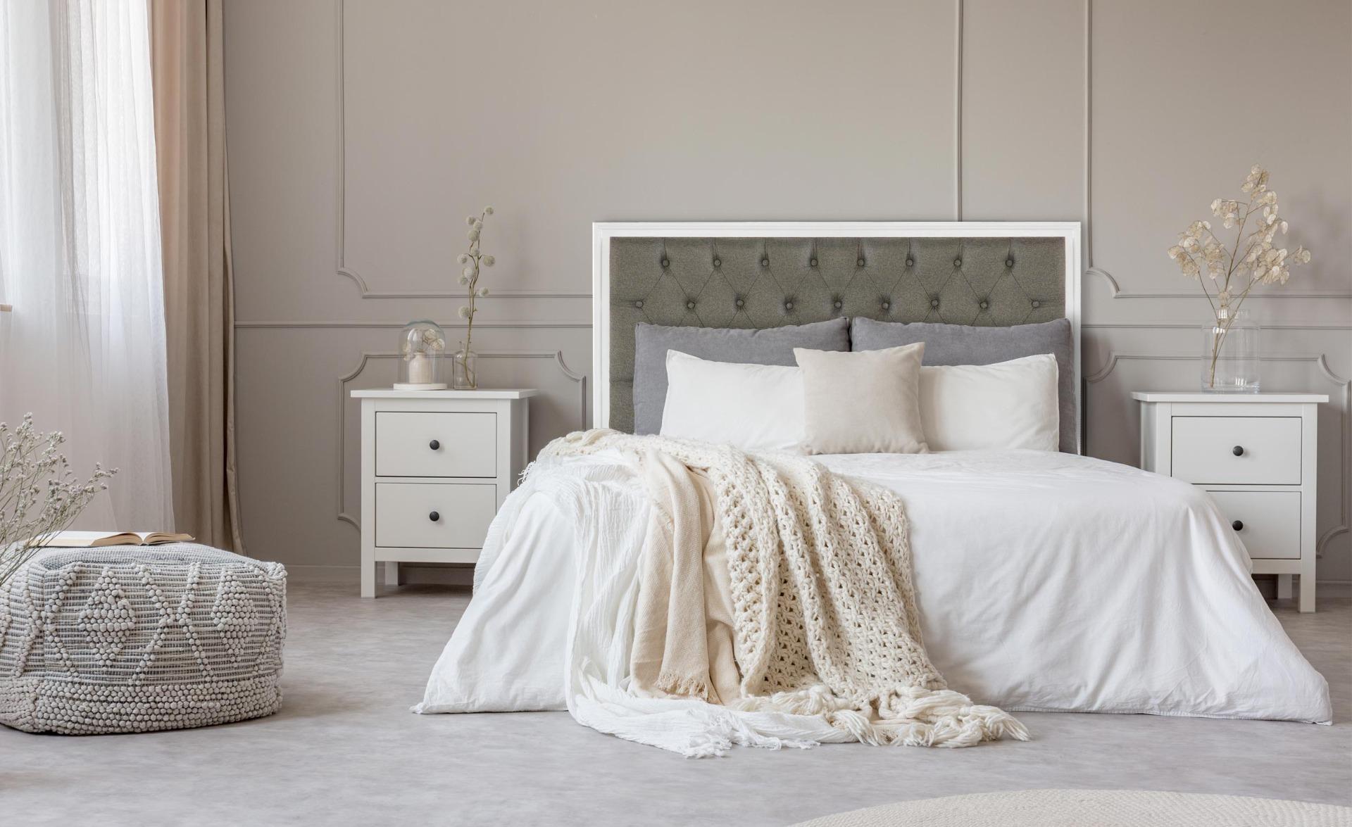 Tête de lit Hermione 140cm Bois blanc et Tissu Taupe