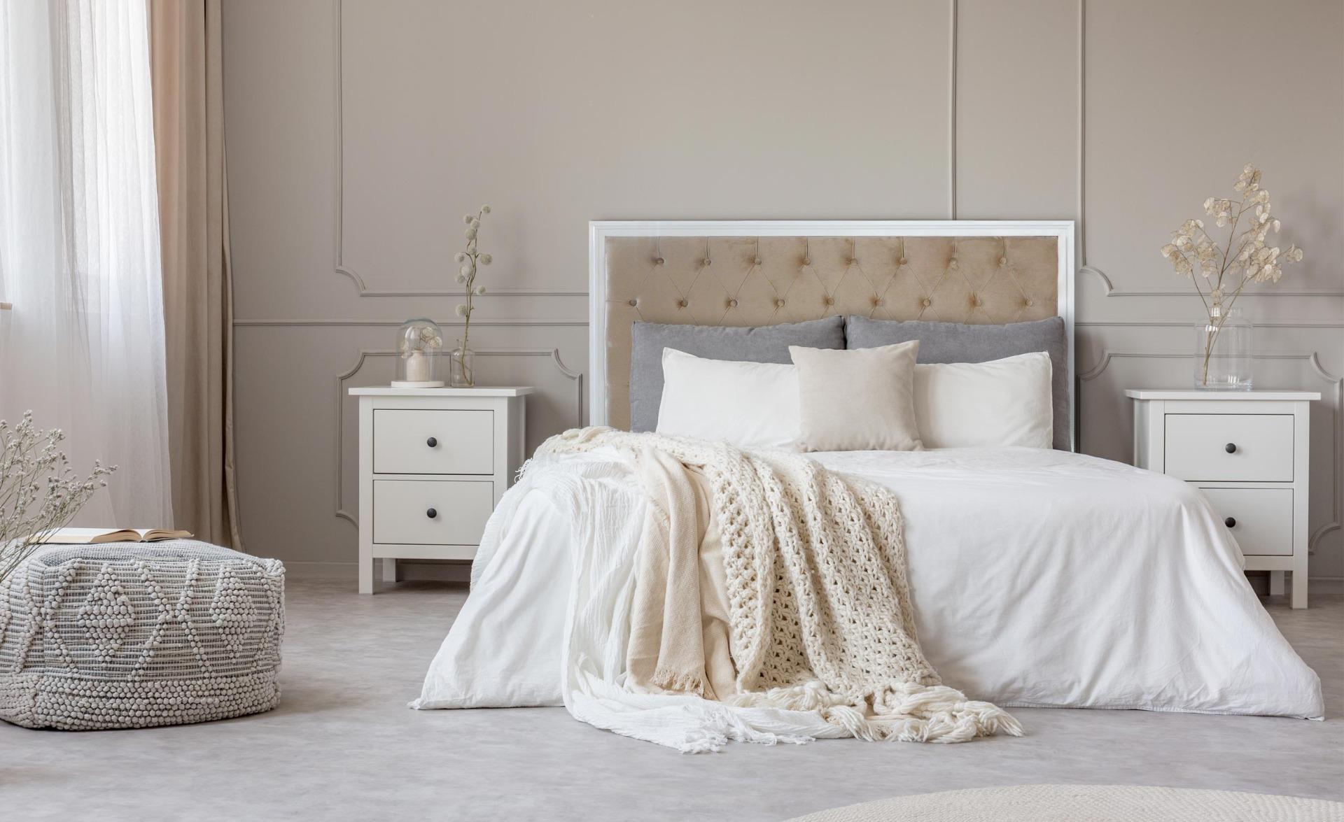Tête de lit Hermione 140cm Bois blanc et Velours Taupe